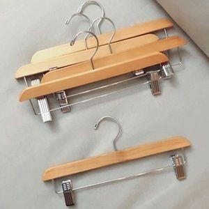 5 wooden bottom hangers - Ivivva (Lululemon kids)